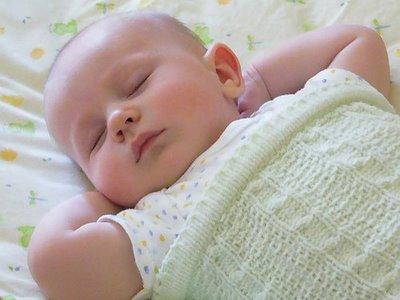 bebé siesta, durmiendo, verano