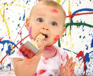 Psicomotricidad, habilidades psicomotoras, juguete, juego, bebé, psicomotricidad fina, psicomotricidad gruesa, pintura, pintar