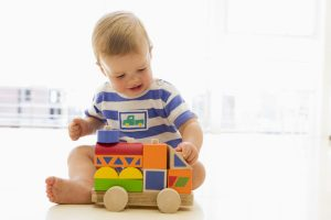 habilidades psicomotoras, psicomotricidad, psicomotricidad fina, psicomotricidad gruesa, juego, bebé, juguete