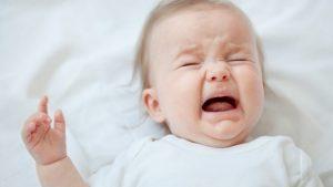 crisis de lactancia, crisis de los tres meses, crecimiento, bebé, lactancia materna, leche materna
