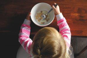 bebés, niños, alimentación, errores, leche, fruta, zumo, leche de fórmula