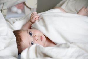dormir, sueño, cama, bebé, consejos, cuna, padres