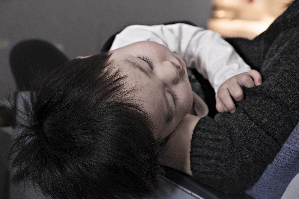 faringitis, niños, bebés, enfermedad, bacteria, virus